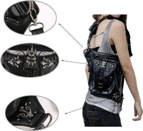 bolso con accesorios de calavera